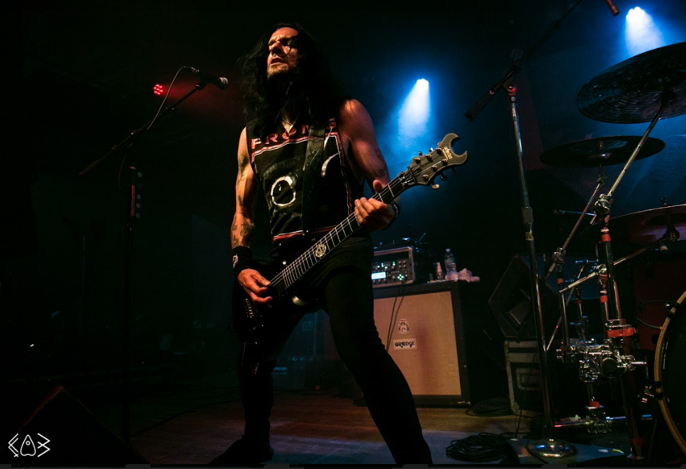 Prong tommy 1
